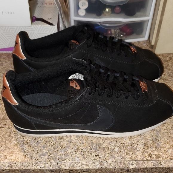 premium selection 64aa5 0478c Nike Womens Classic Cortez Leather Black